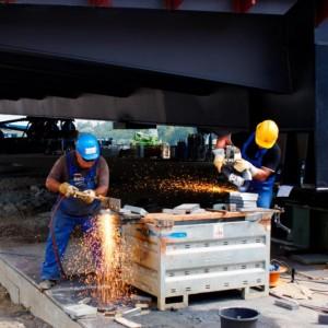 Arbeiten an Osthafenbrücke
